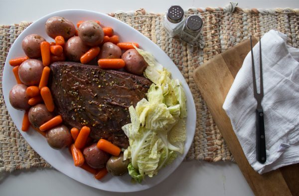 crock pot corned beef with potatoes and carrots